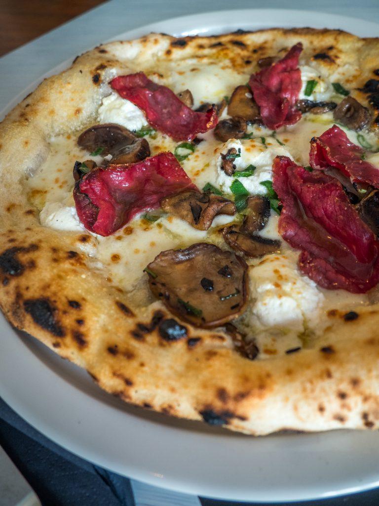 gourmet pizzojen uusi haastaja daddy greens pizzabar aitoa